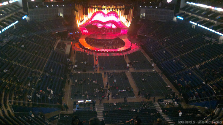 O2 Arena London mit unverwechselbarer Stones Bühne