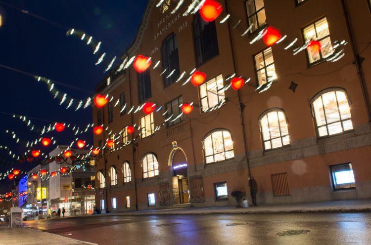 die Innenstadt von Tromsö zur Weihnachtszeit