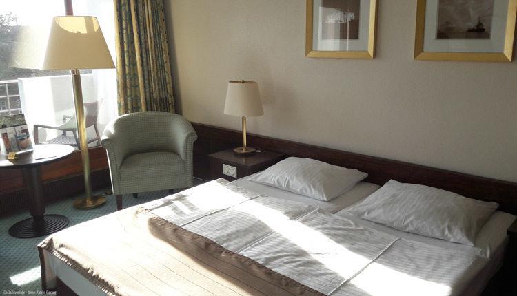 Doppelzimmer mit Balkon im Maritim Hotel