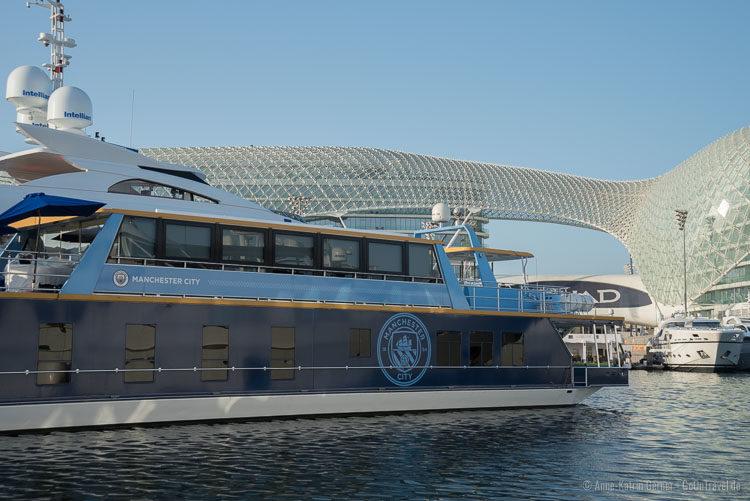 Mega-Yachten und das Hotel Viceroy