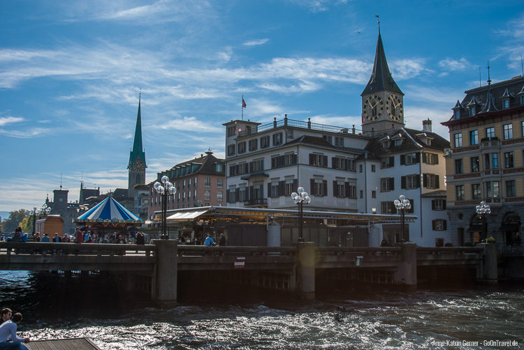 Rathausbrücke mit St.Peter-Kirche und Fraumünster