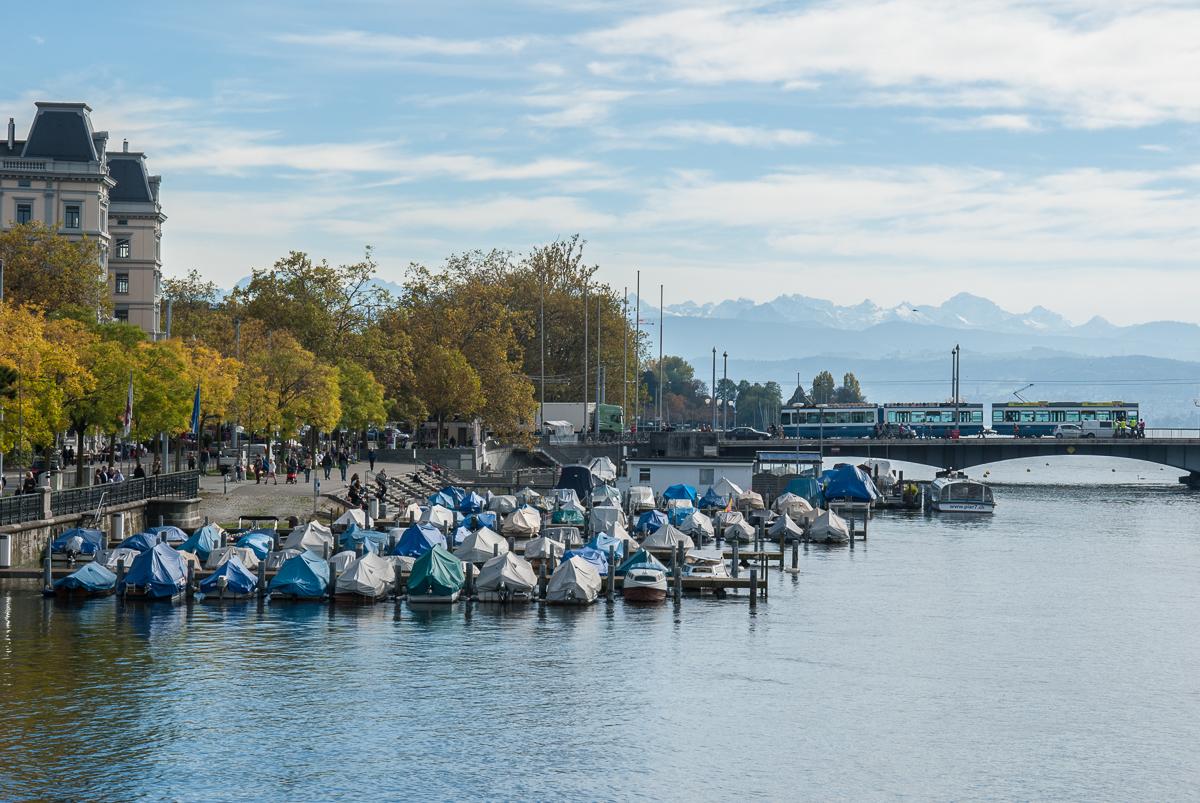 Zürich ist perfekt für einen Städtetrip im Herbst.