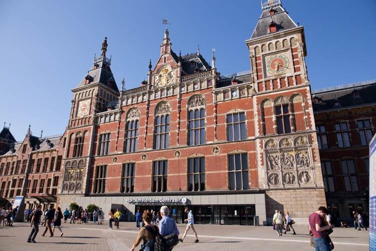 Die Centraal Station von Amsterdam