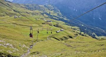 Nervenkitzel mit dem First Flieger in der Schweiz