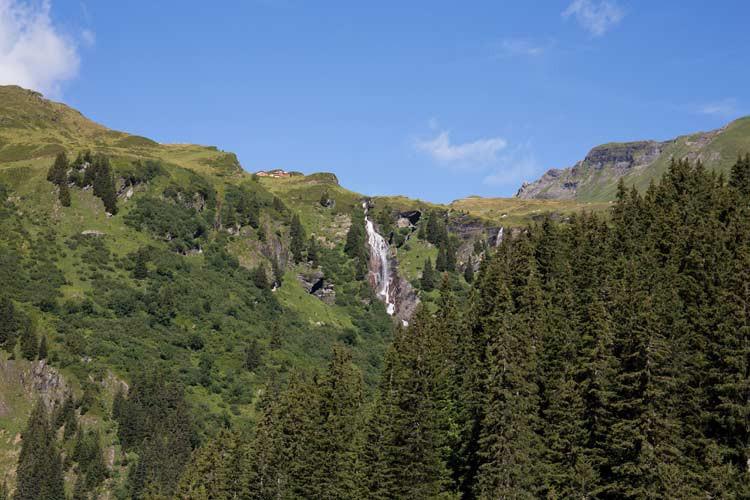 Blick von der Gondel aus auf die Landschaft vom First