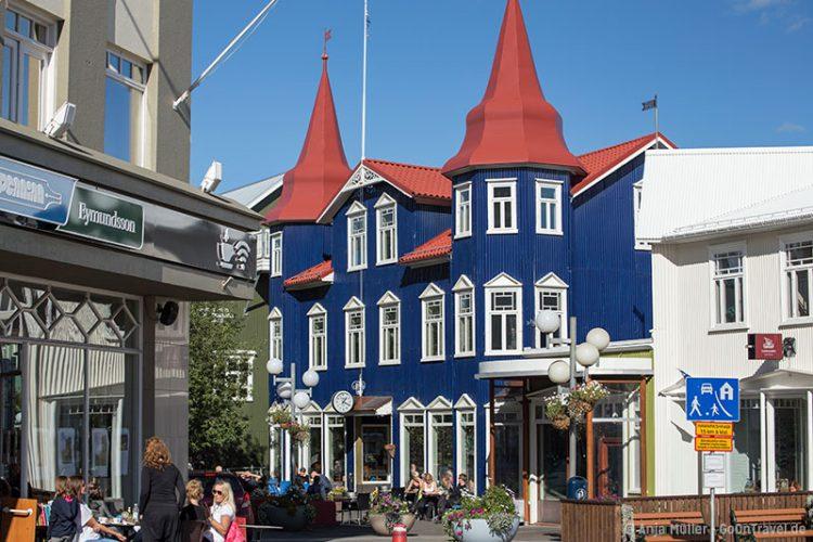 Das Café Bláa Kannan in der Stadt Akureyri.