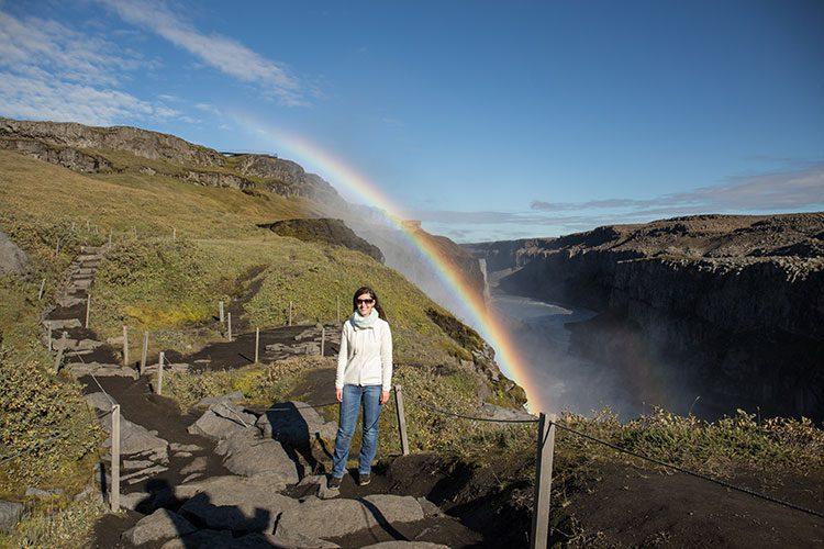 Der Dettifoss mit Regenbogen