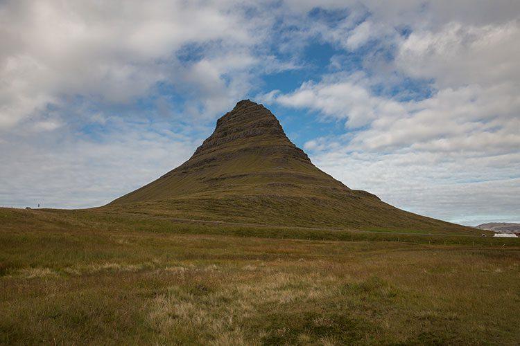 Der 463 m hohe Berg Kirkjufell