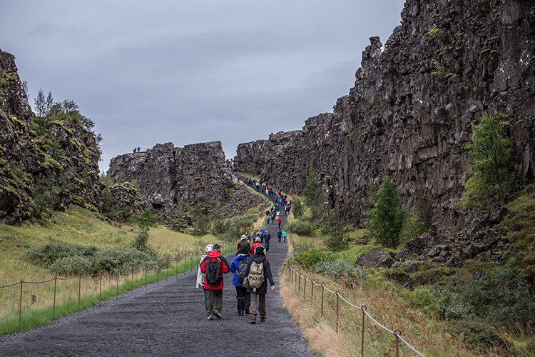 Massentourismus am Þingvellir.