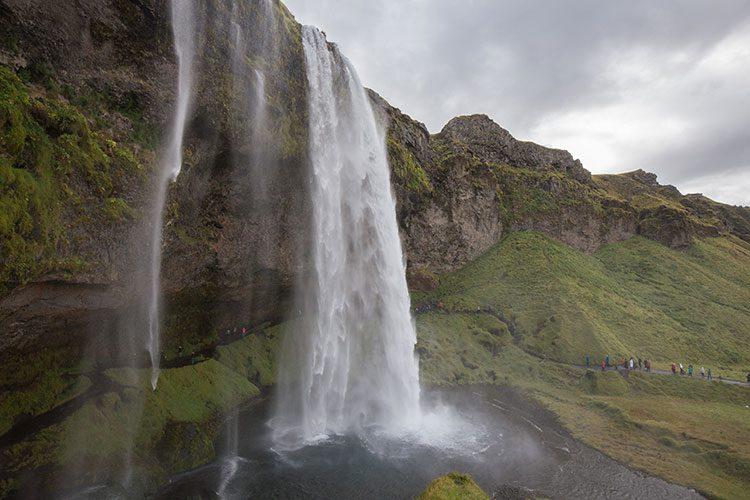 Einer der berühmtesten Wasserfälle Islands - der Seljalandsfoss