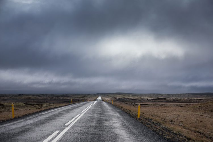 Einsame Straße auf Island.