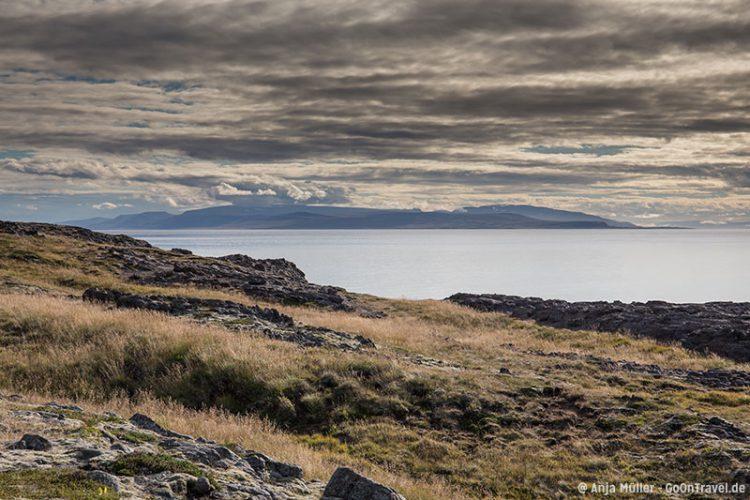 Bei der Stadt Skagaströnd in den Nordfjorden von Island.