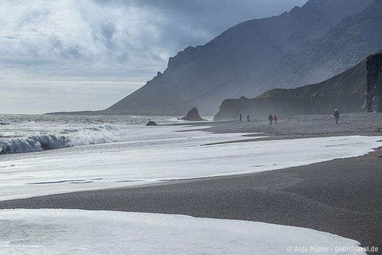 Schwarze Strände im Süden von Island