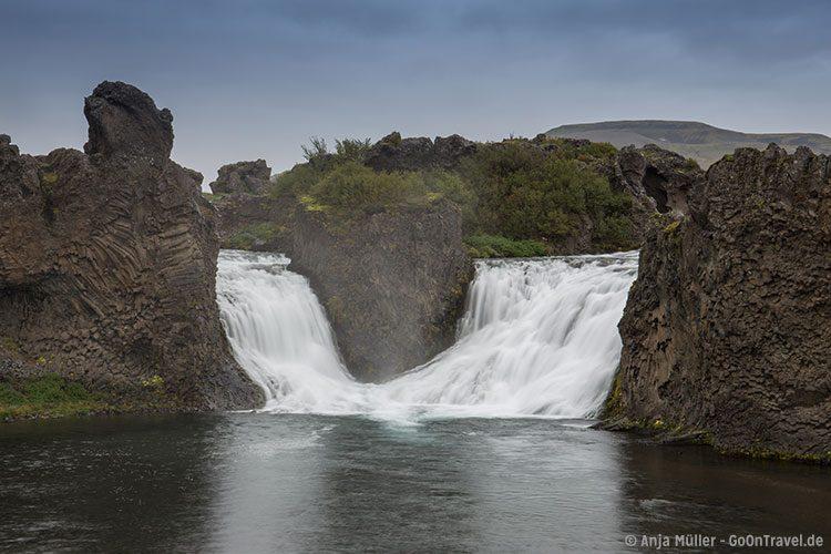 Der Hjálparfoss Wasserfall im Süden von Island