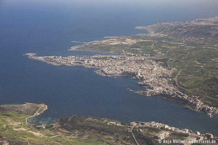 Malta vom Flugzeug aus - die St. Pauls Bay