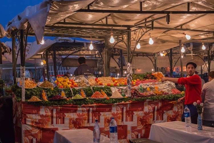 Die Garküchen am Abend auf dem Djaama El Fna
