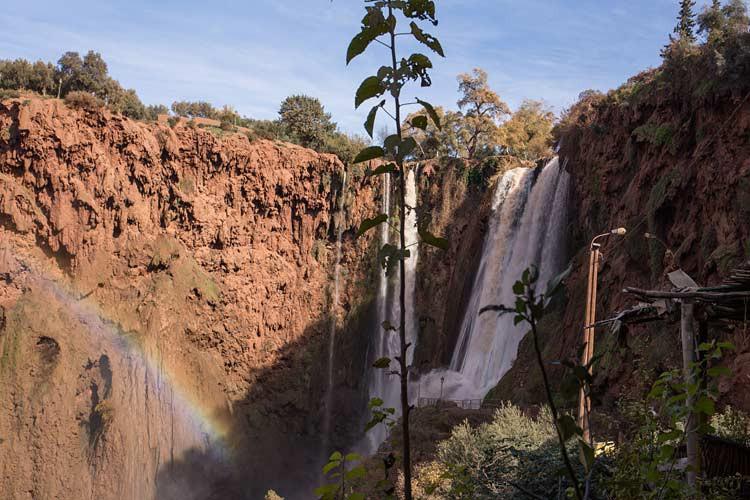 Regenbogen und Ouzoud-Wasserfälle