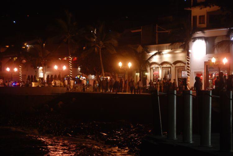 Nachtleben auf der Malecón von Puerto Vallarta