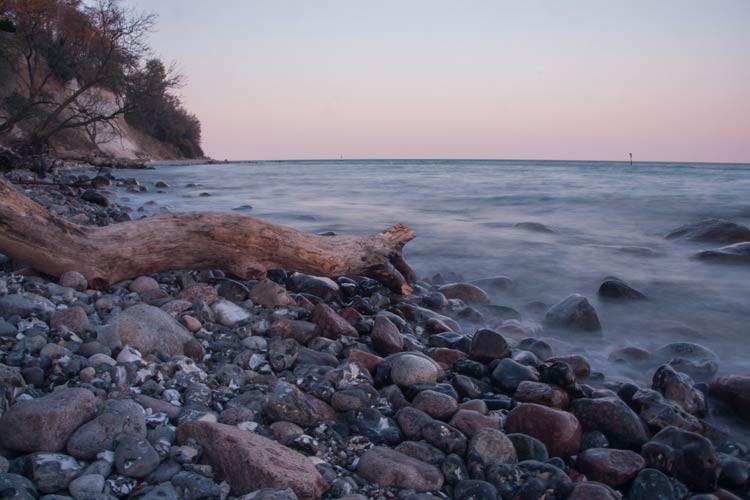 Am Strand zum Sonnenuntergang