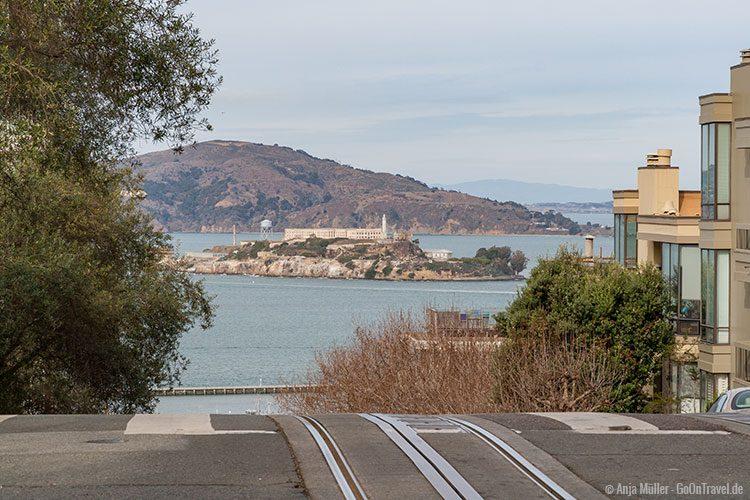 Blick auf Alcatraz vom Land aus