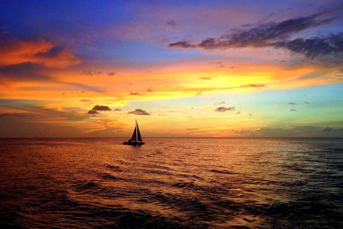 Grand Anse Beach auf Grenada zum Sonnenuntergang