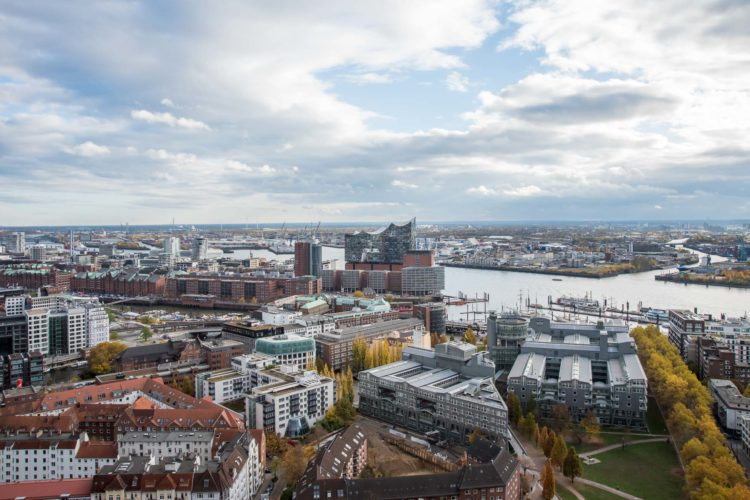 Hamburg von oben Elphi und Hafen