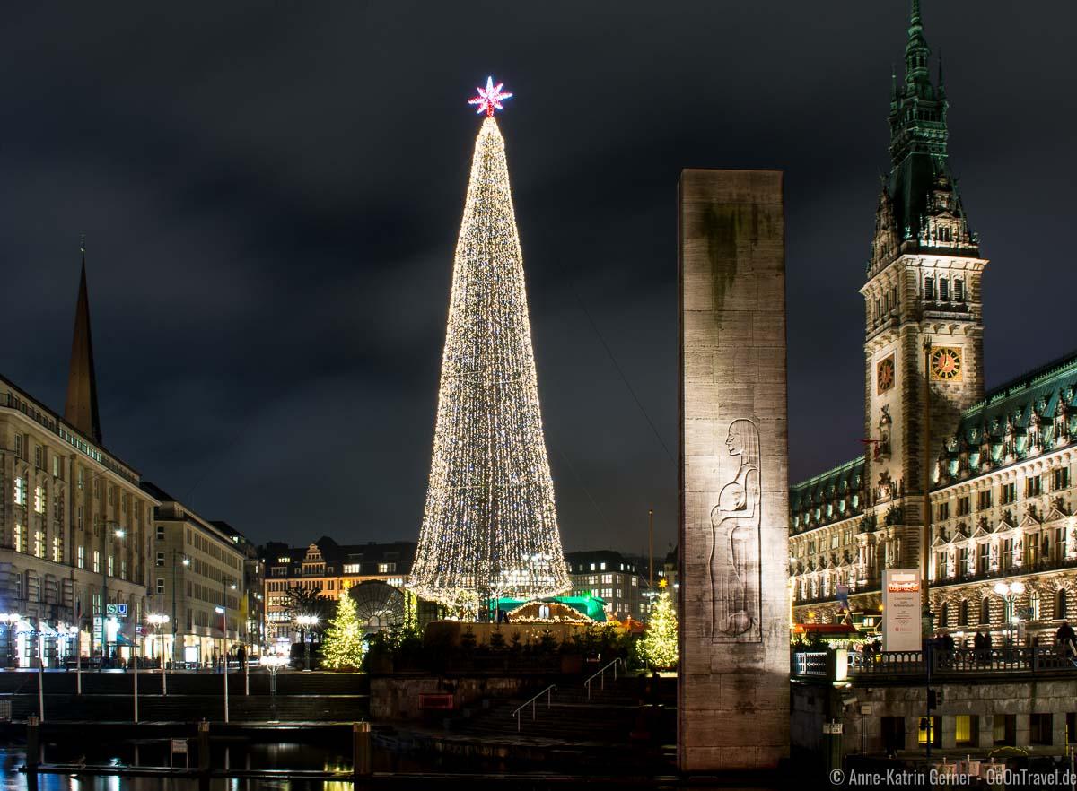 Hamburger Weihnachtsmarkt am Rathaus