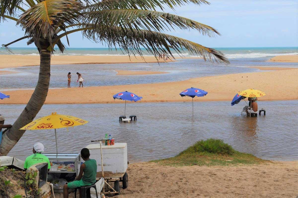 Strand von Imbassai in Brasilien