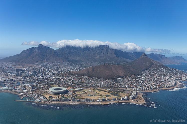 Blick auf Kapstadt vom Hubschrauber aus