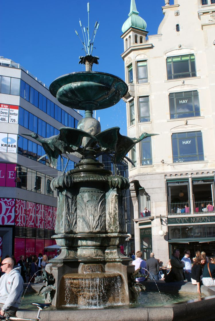 Storchenspringbrunnen am Amagertorv