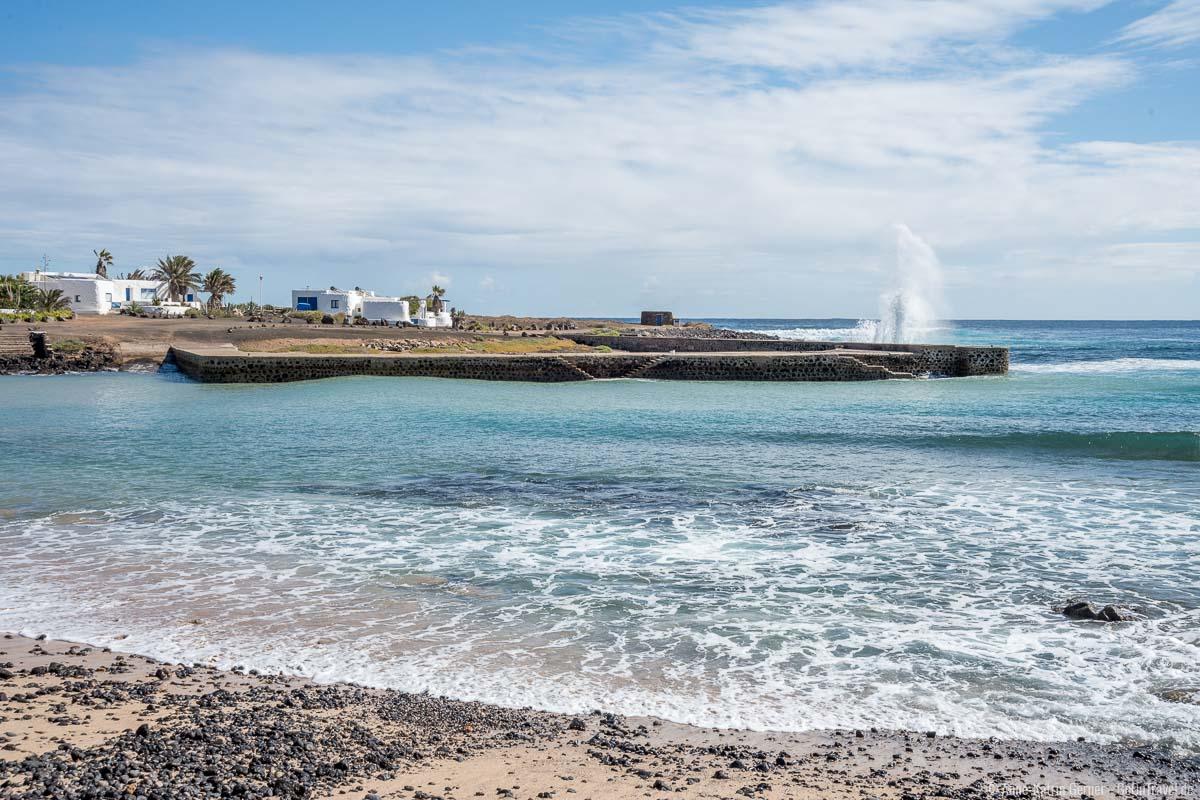 Kleiner Badestrand am Hafen von Pedro Barba