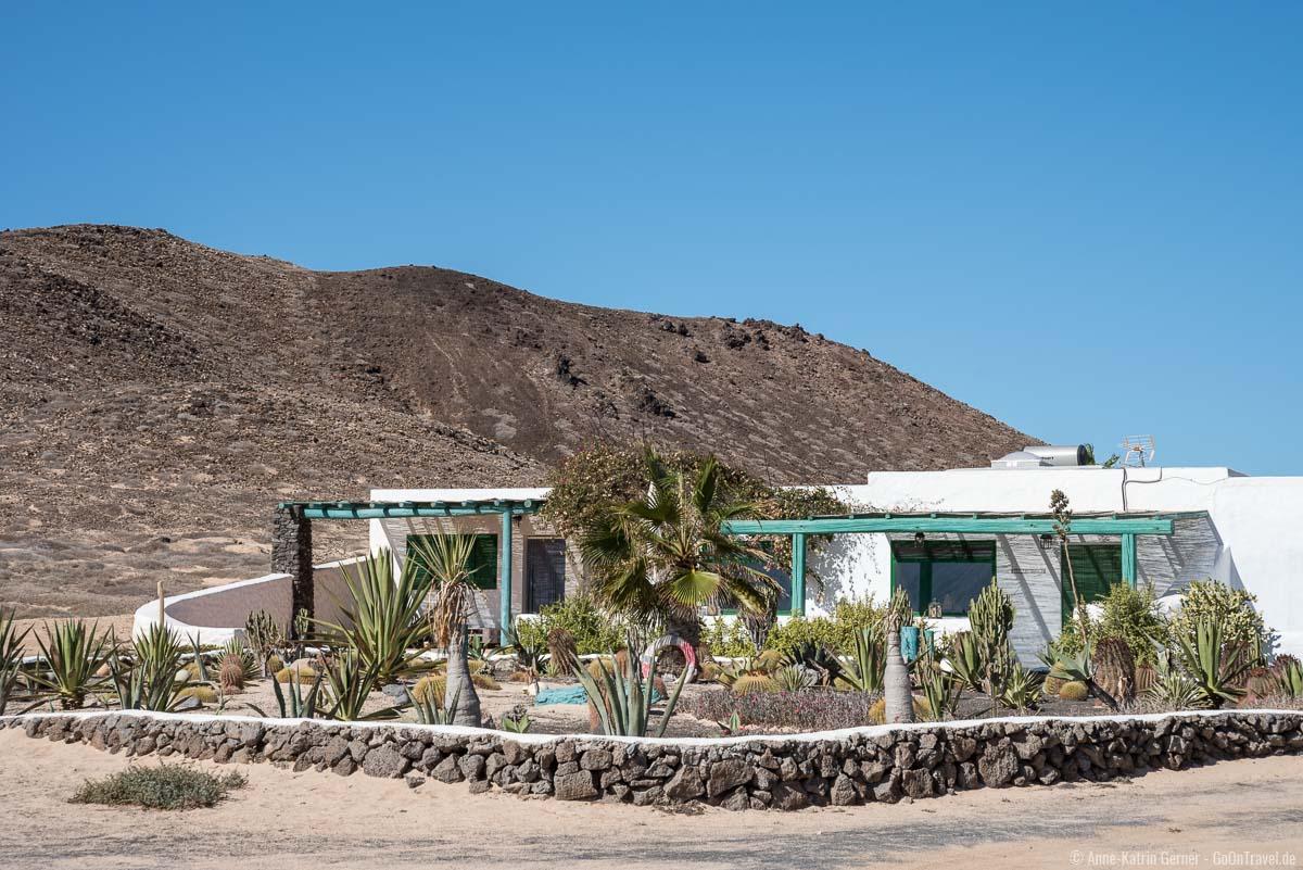 Pedro Barba besteht aus ca. 20 kleiner weißer Häuser mit hübschen Gärten