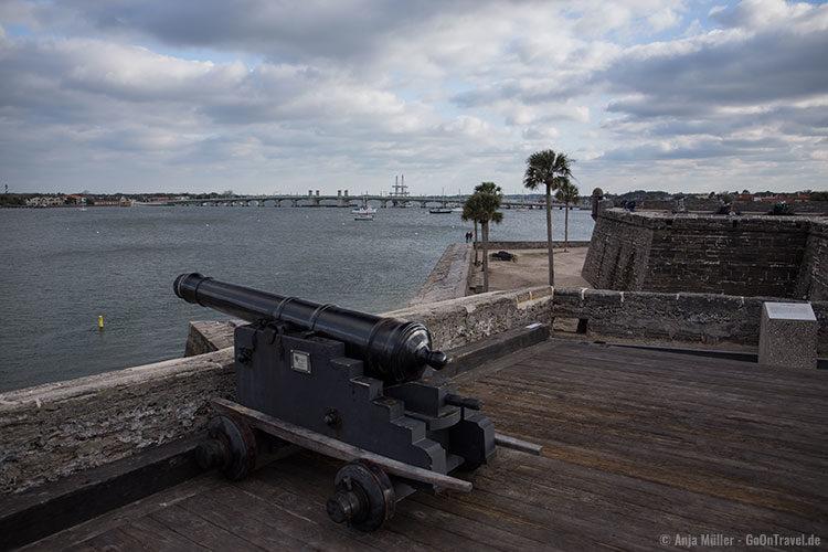 Blick von der Festung Castillo de San Marcos auf St. Augustine