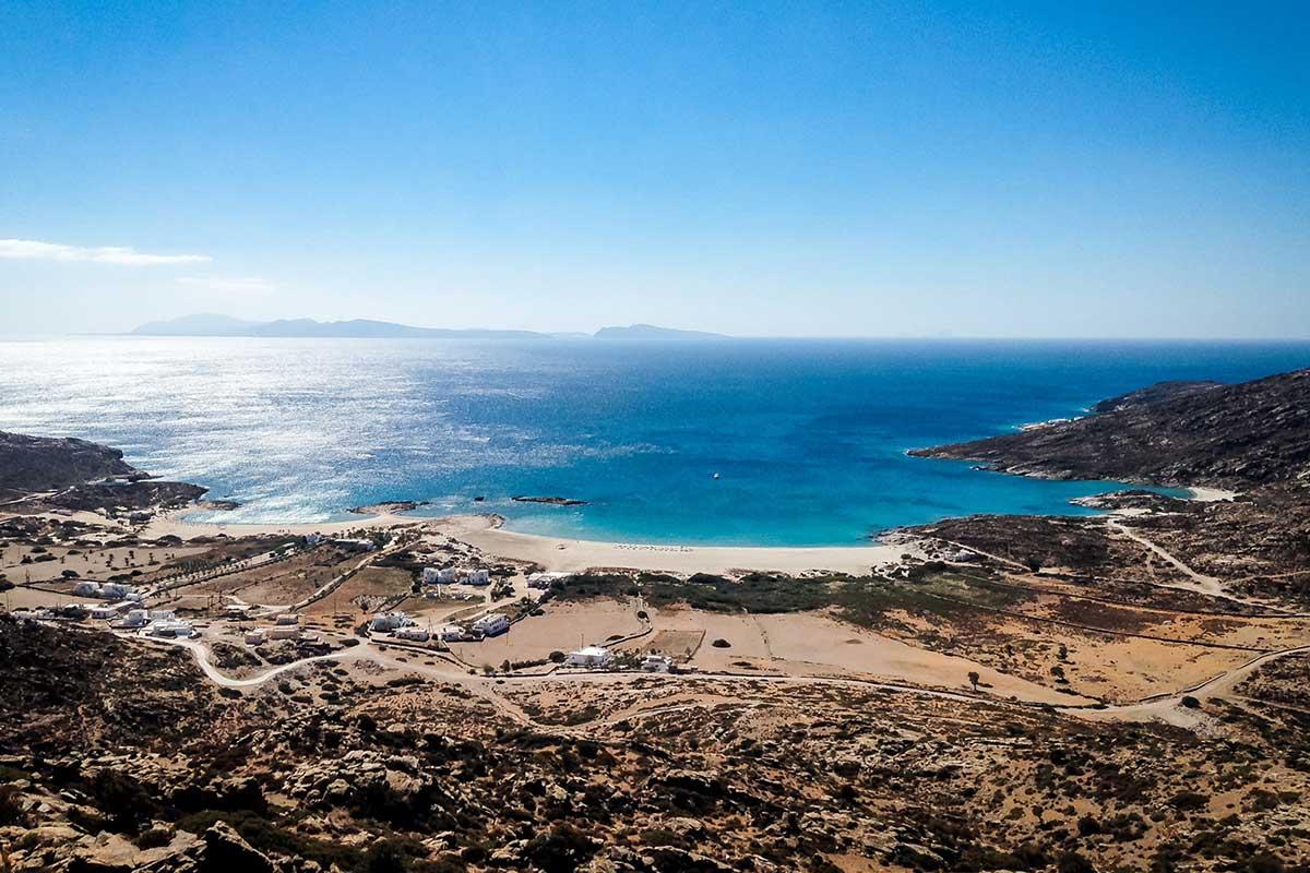 Maganari Beach auf Ios von oben