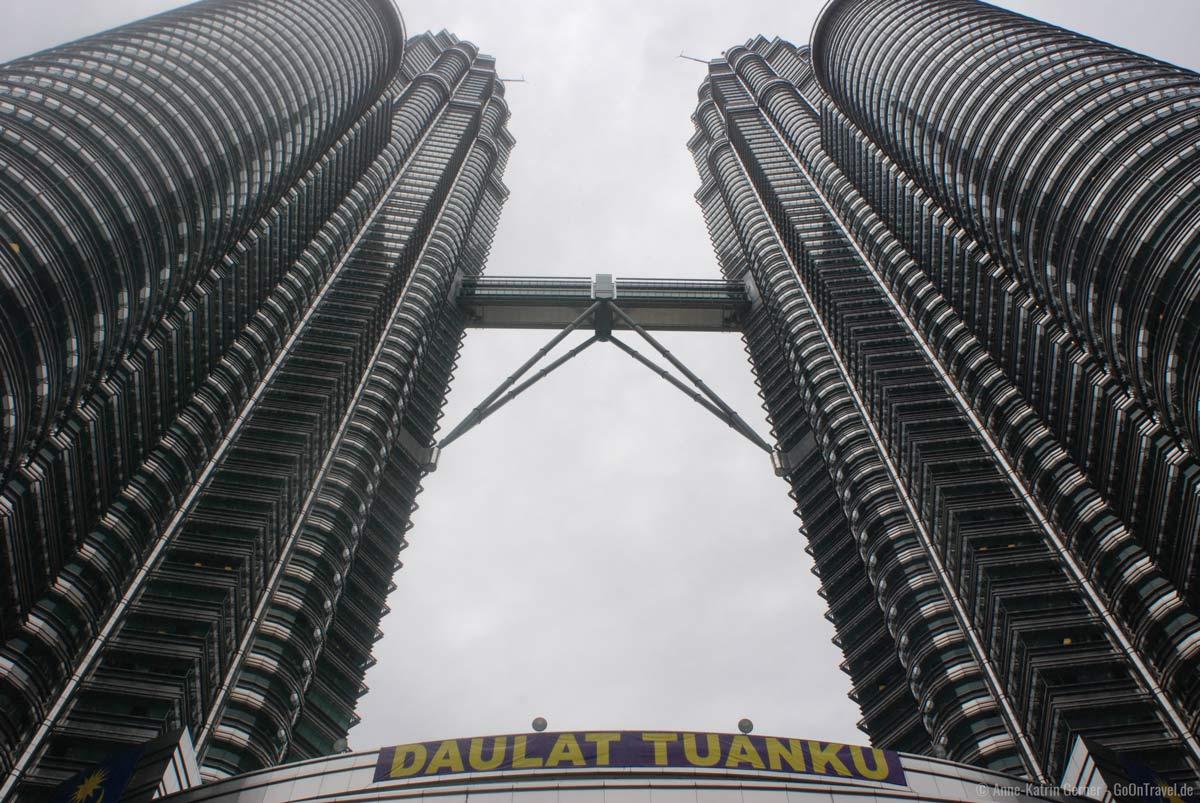 Petronas Towers in Kuala Lumpur / Malaysia