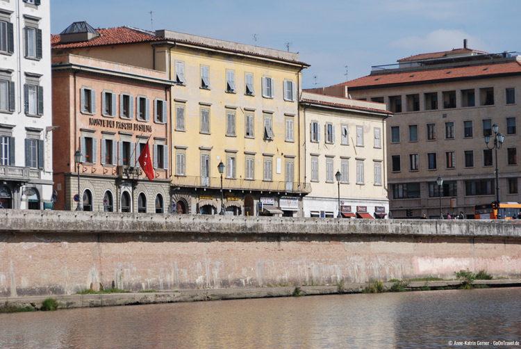 Pisa vom Wasser aus