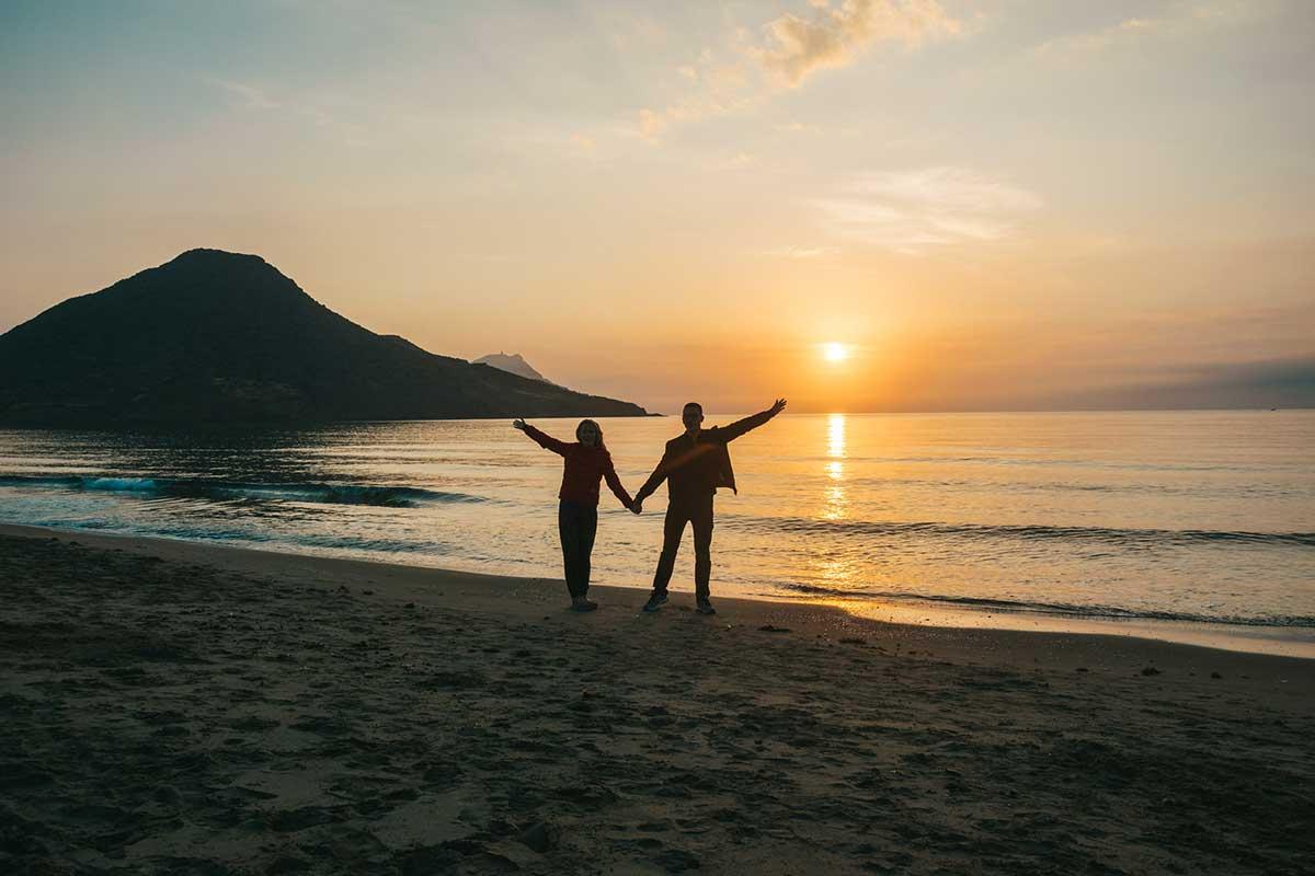 Hier gibt es schöne Sonnenuntergänge - Playa de los Genoveses