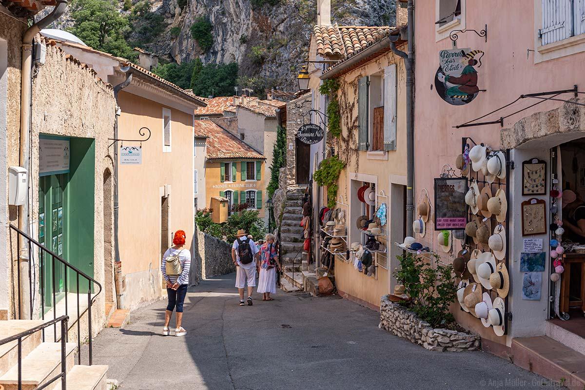In der Altstadt von Moustiers-Sainte-Marie