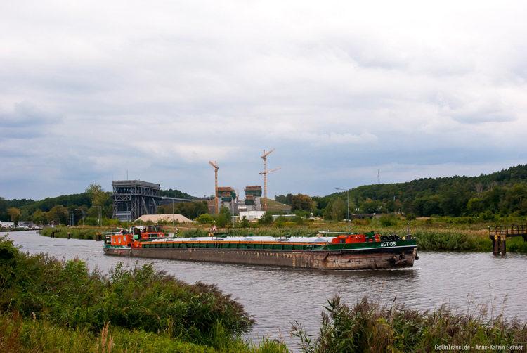 Das alte und das neue Schiffshebewerk an der alten Oder