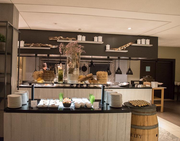 Buffet und Live-Cooking im Dünenrestaurant