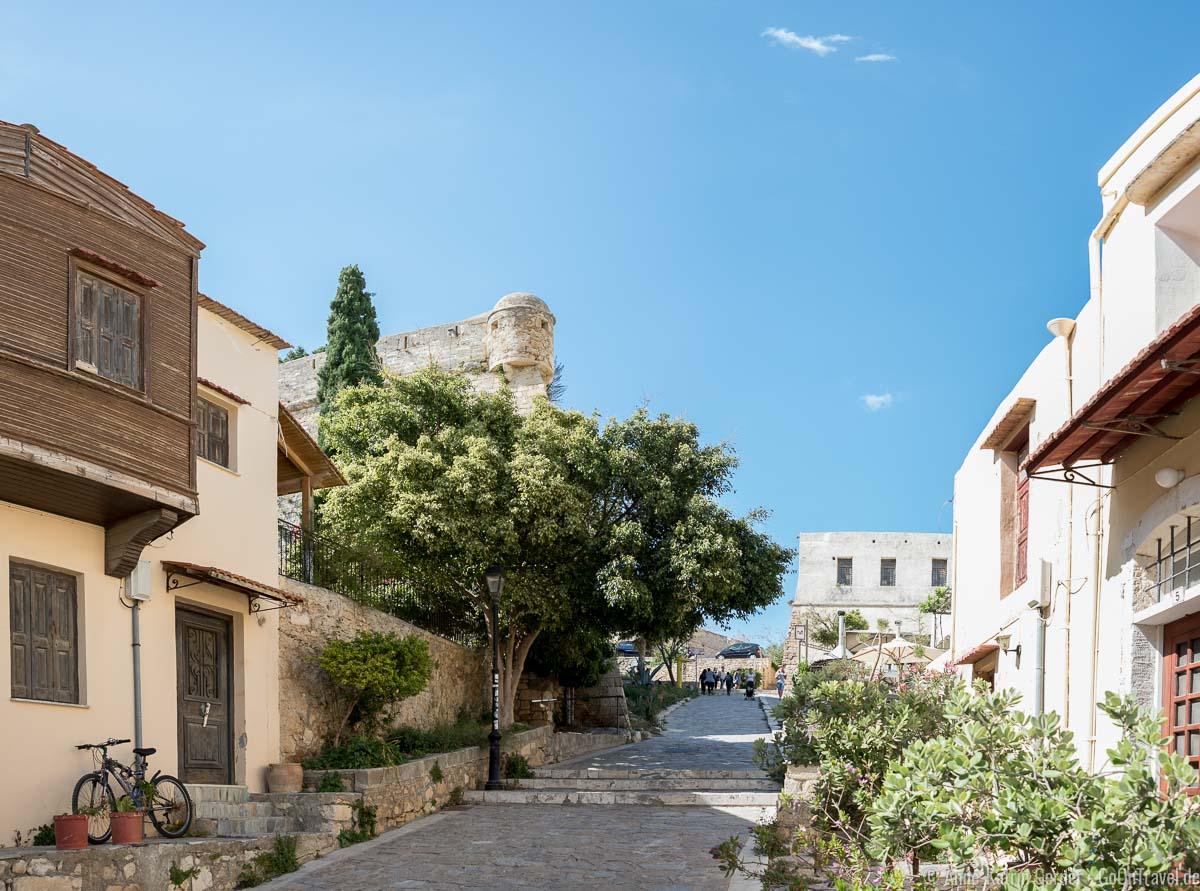 Weg zur Festung aus der Altstadt