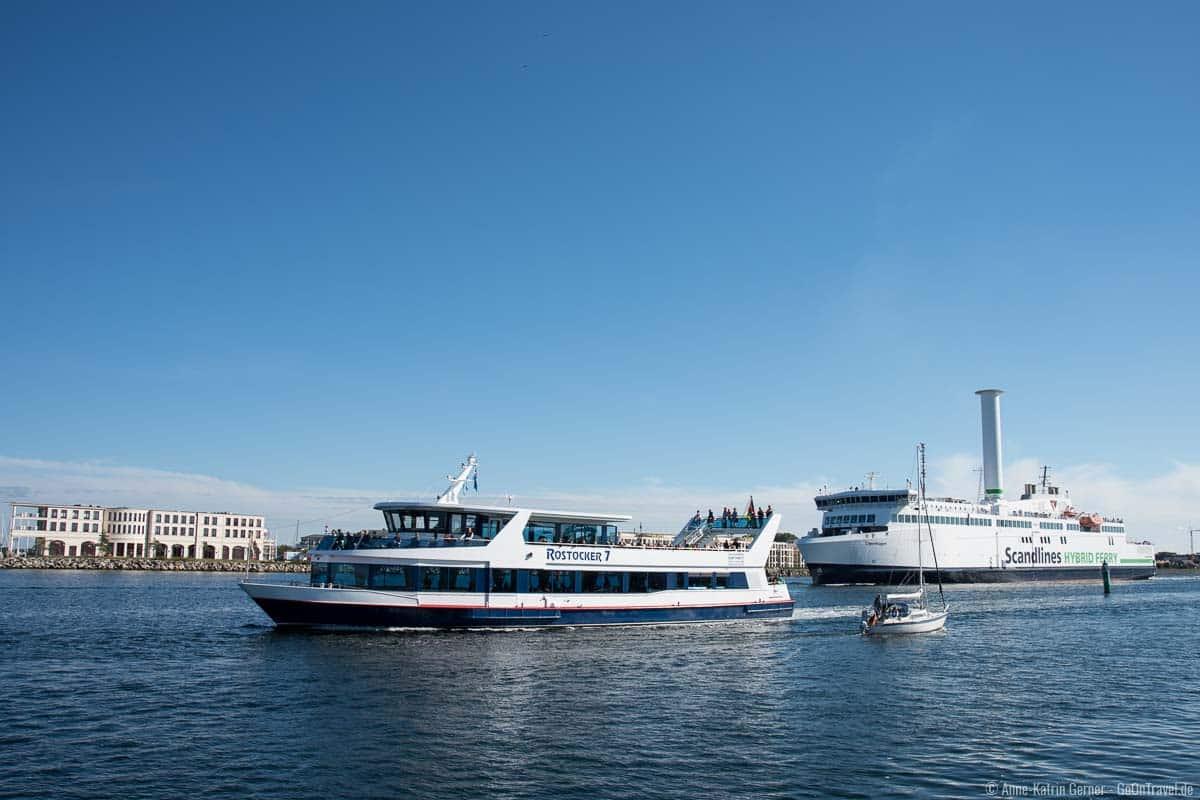 """Hafenrundfahrt mit der """"Rostocker 7"""""""