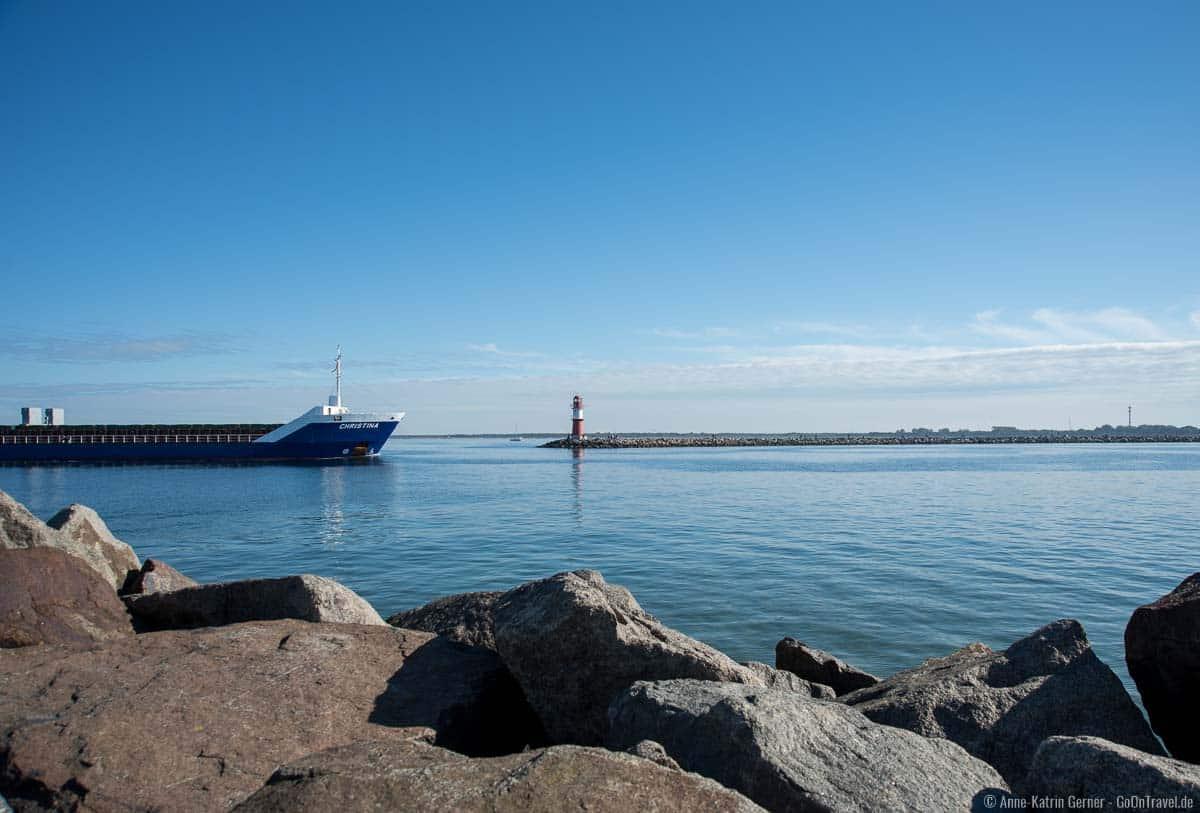 Hafeneinfahrt Rostock-Warnemünde