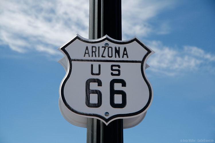 Straßenschild der Route 66 in Arizona