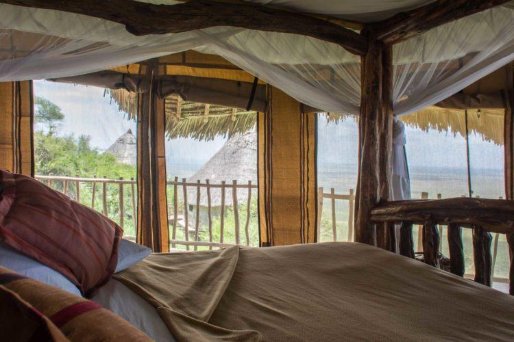 Safari Camp Lions Bluff Lodge