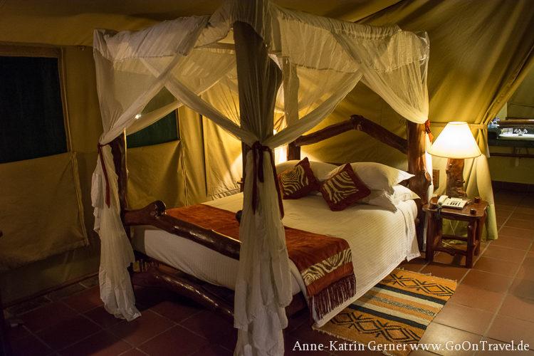 Doppelbett im Zelt Mbuzi Mawe Serengeti