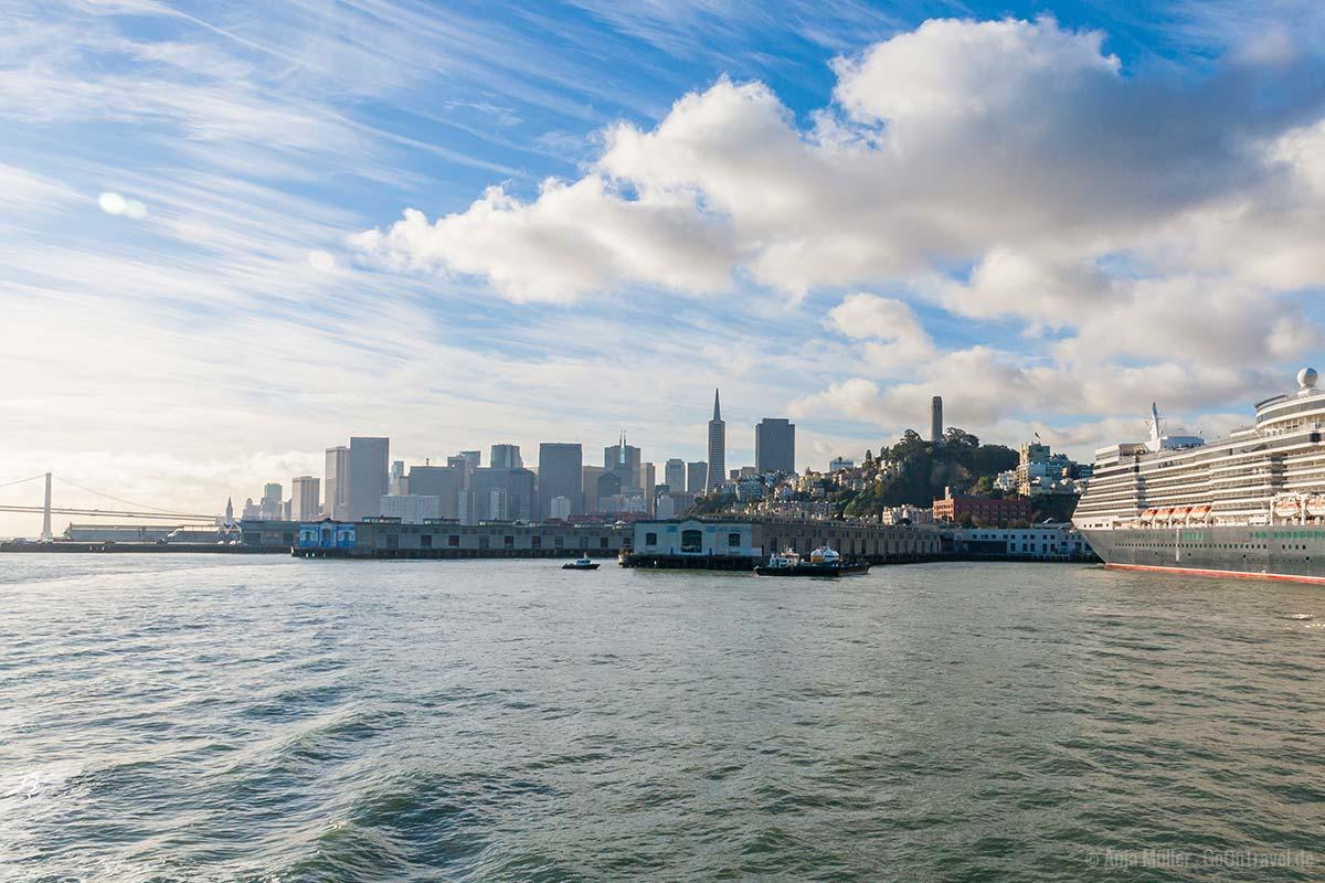 Skyline von San Francisco vom Wasser aus