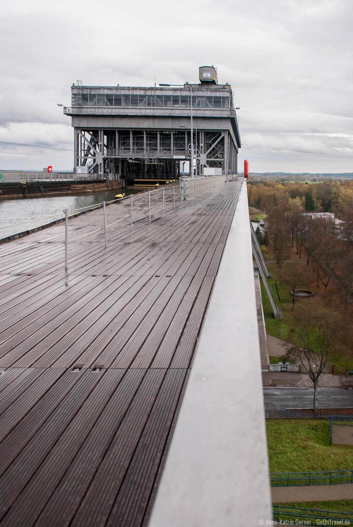 Einfahrt ins Schiffshebewerk vom Oder-Havel-Kanal