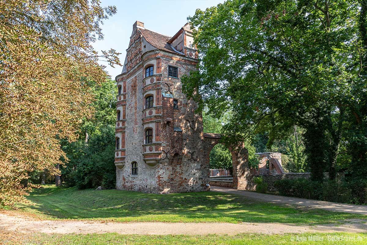 Mauerreste im Schlosspark