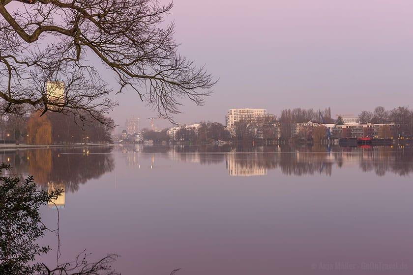 Winterlicher Sonnenaufgang in Berlin Treptow